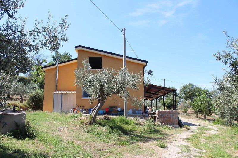 Villa o villino Monteodorisio 412DL