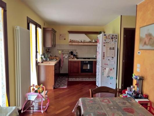 Villa a schiera Cordenons 676