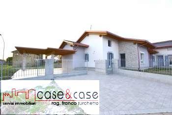 Villa a schiera in Vendita Fontanafredda