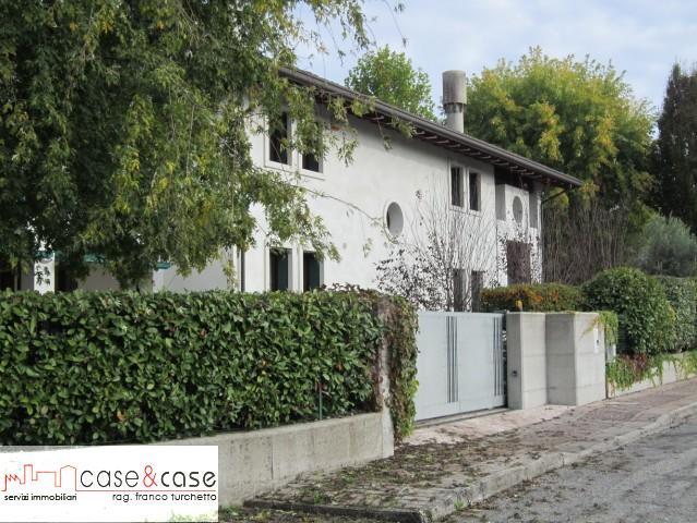 Villa singola in Vendita Sacile