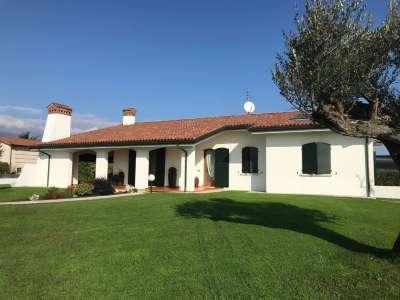 Casa Indipendente in Vendita Fontanafredda