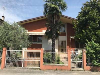 Villa singola in Vendita Pordenone