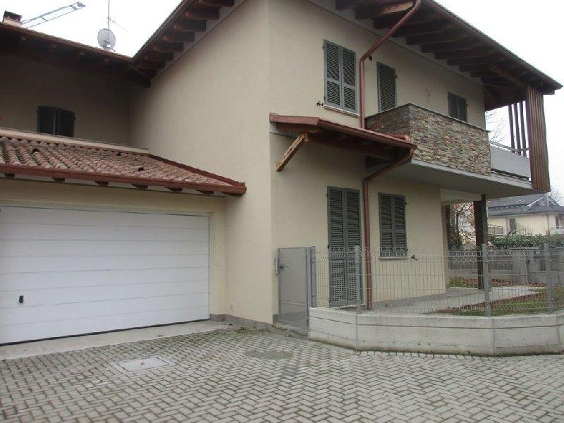 Villa bifamiliare Carpaneto Piacentino V-409VRG