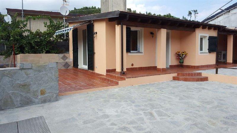 Casa indipendente trilocale in vendita a cisano sul neva - Immobili categoria a1 ...