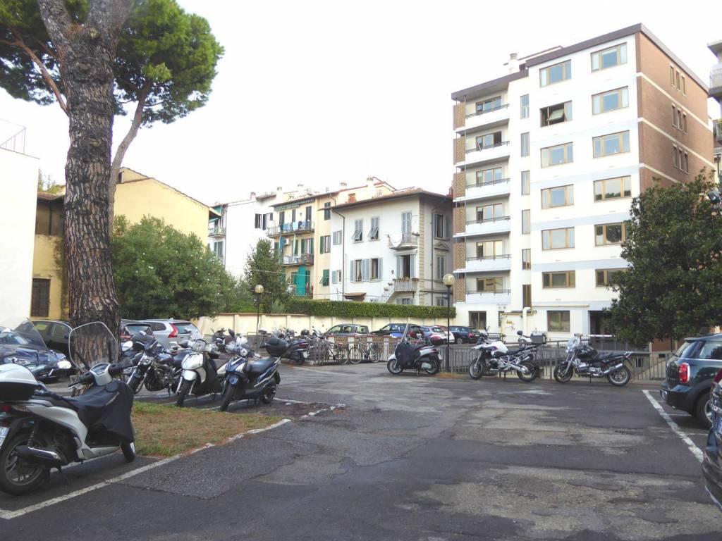Affitto Stabile/Palazzo FIRENZE