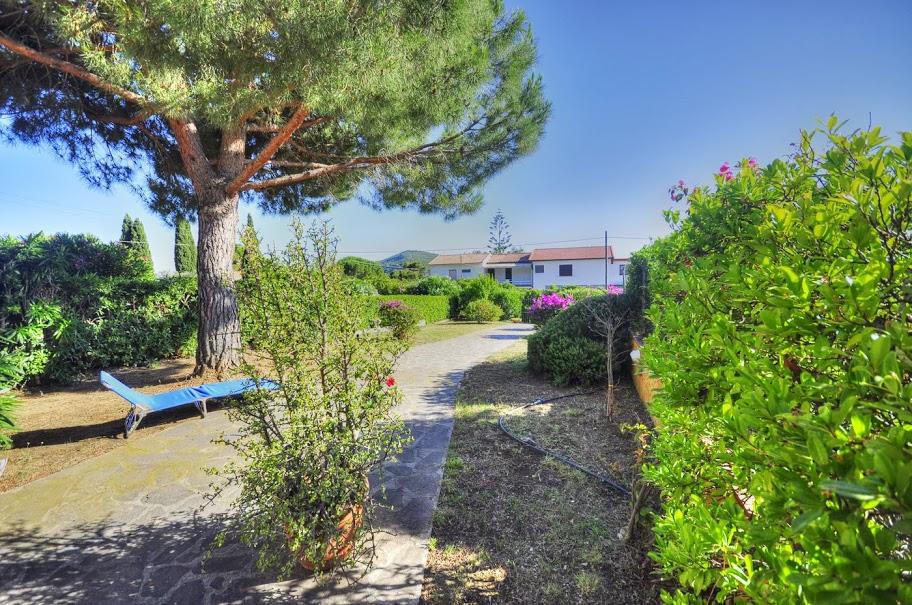 Villa a schiera in Vendita CAPOLIVERI