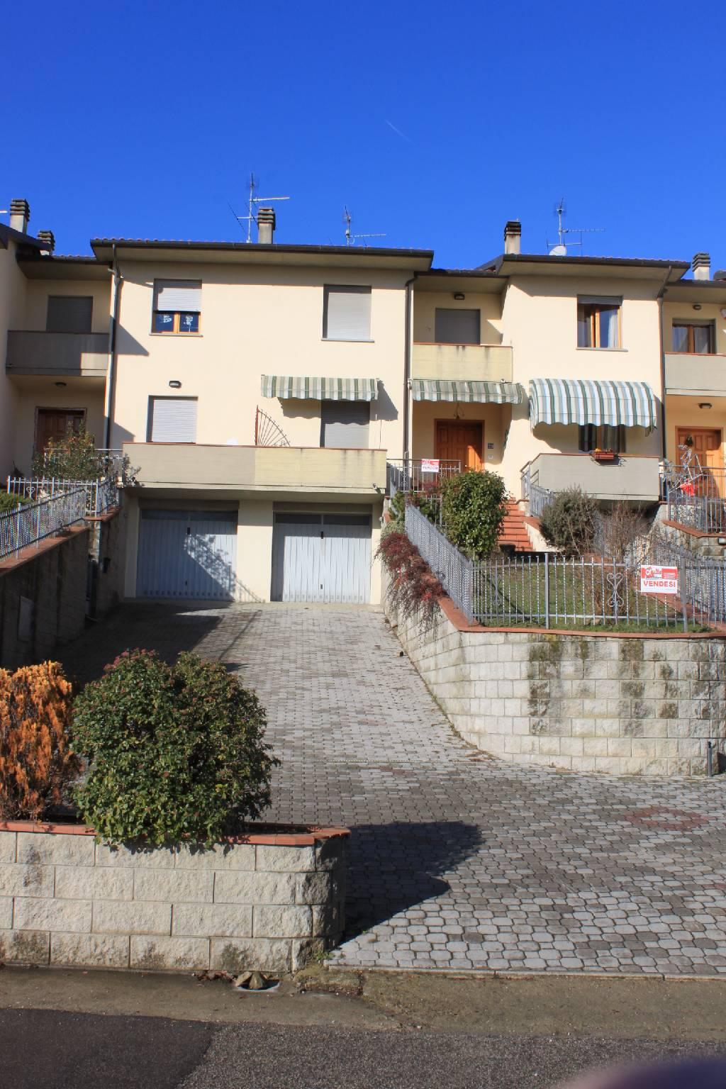 Villa a schiera in Vendita CASTEL SAN NICCOLO'