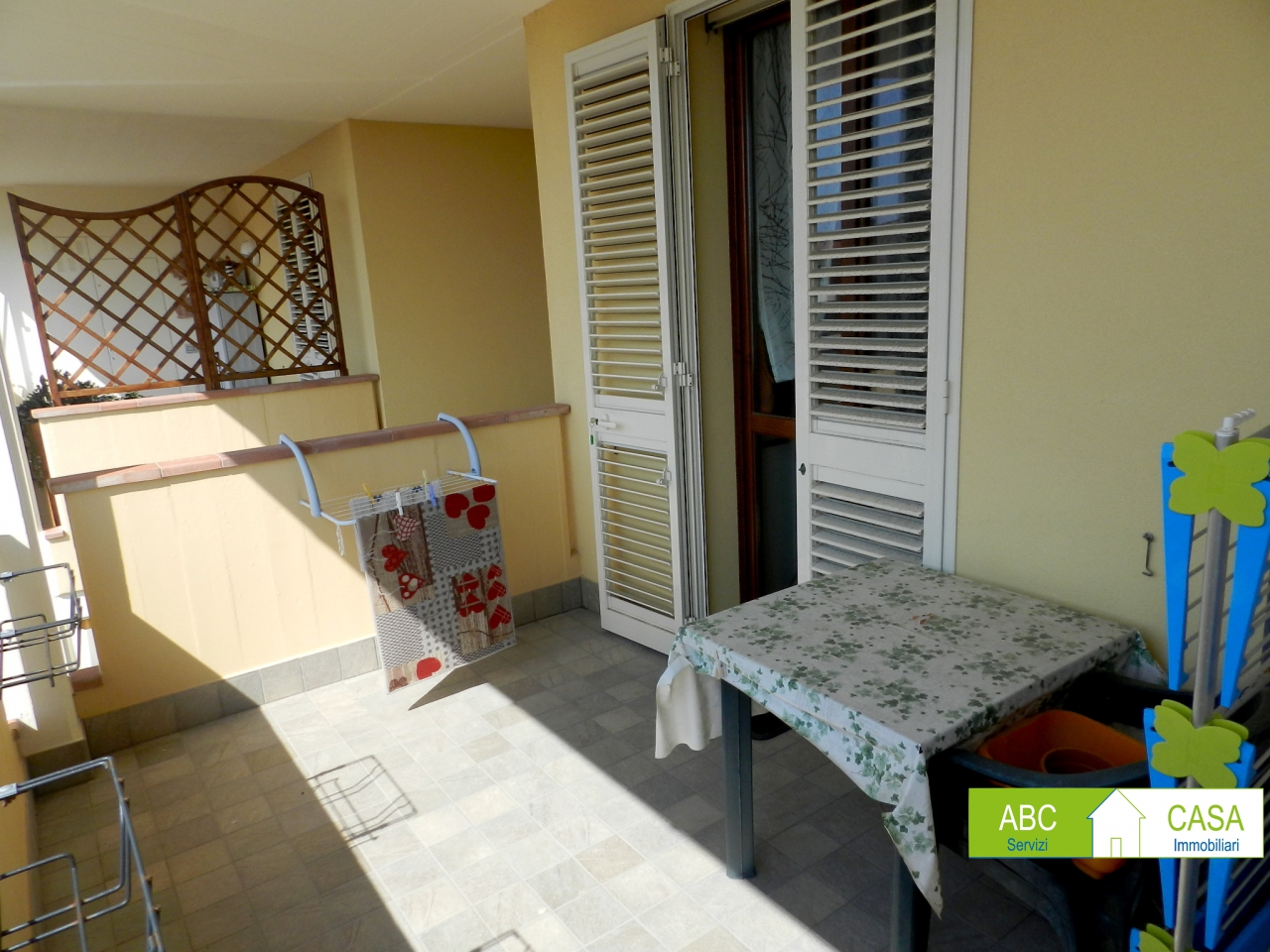 Appartamento ROSIGNANO MARITTIMO R0972