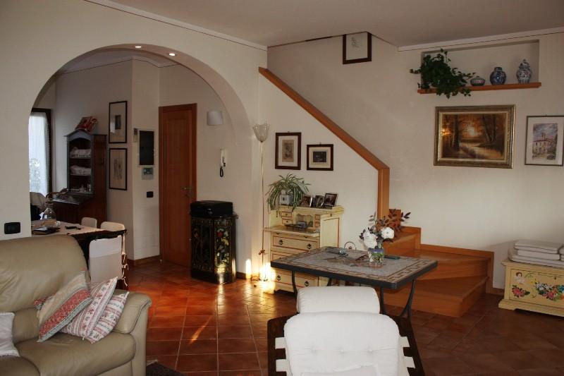Villa singola MONTIGNOSO SV320