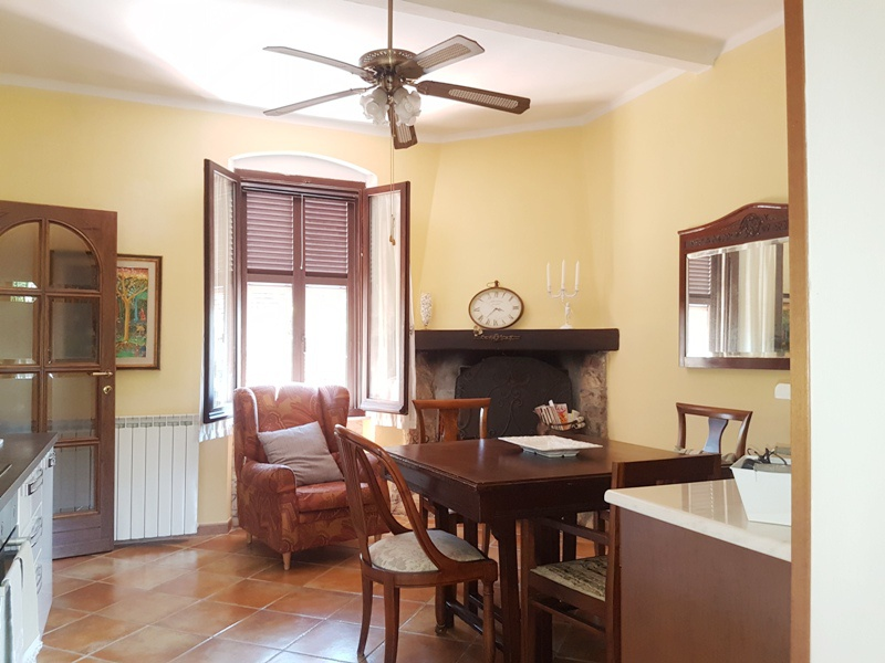 Villa a schiera in Vendita CARRARA