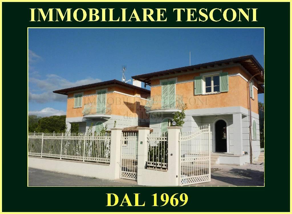 Villa bifamiliare in Vendita PIETRASANTA