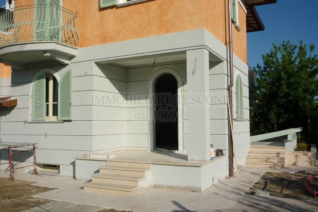 Villa bifamiliare PIETRASANTA 02