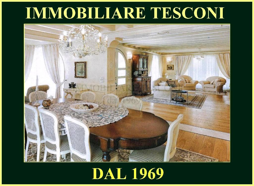 Villa singola PIETRASANTA 233