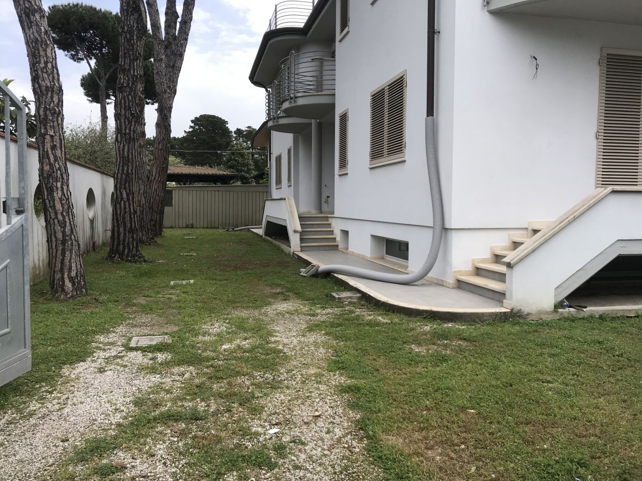 Villa a schiera in Vendita CAMAIORE