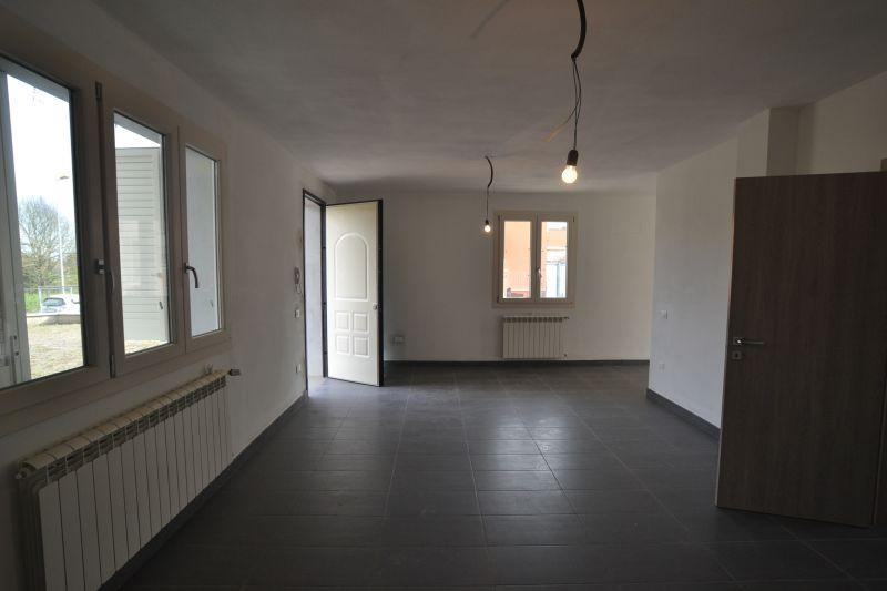 Villa bifamiliare ALTOPASCIO 2185