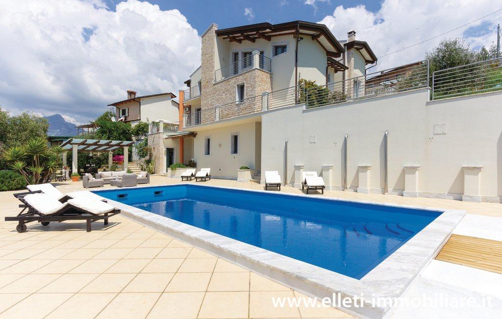 Villa bifamiliare in Vendita MASSA