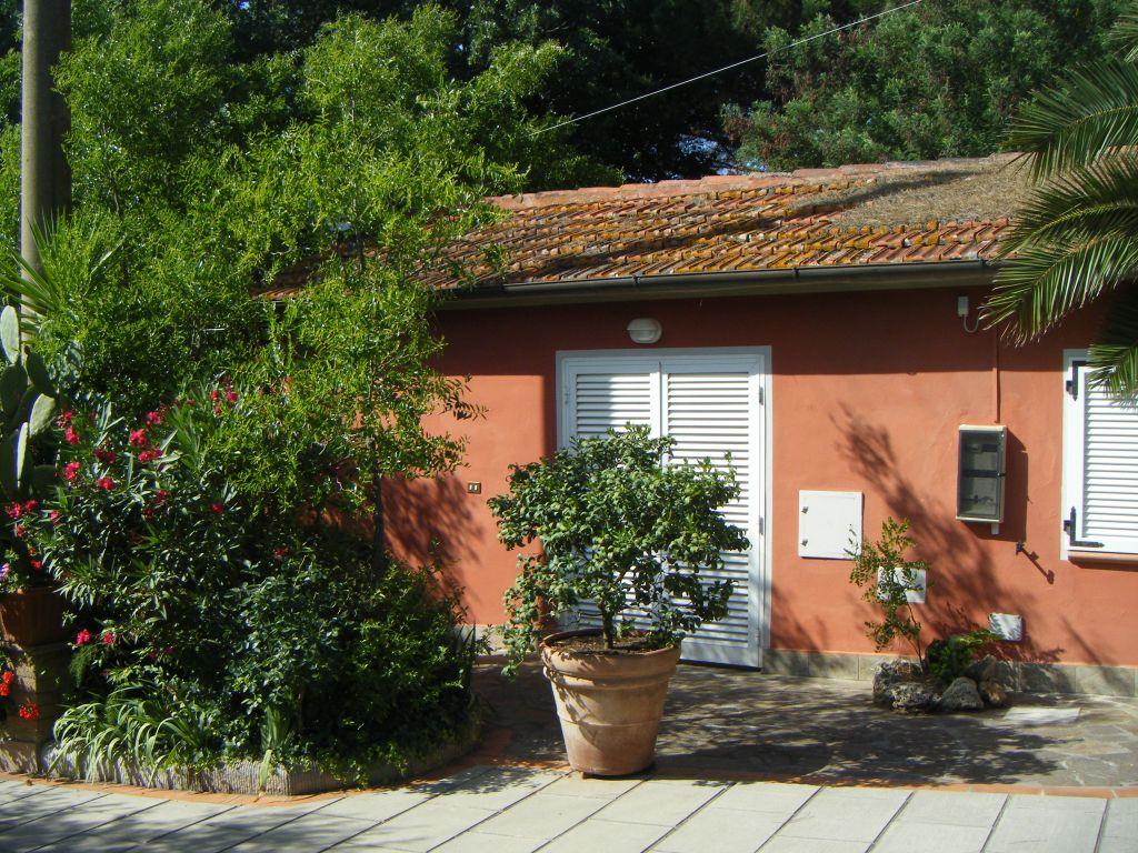 Azienda Agricola SCARLINO E14