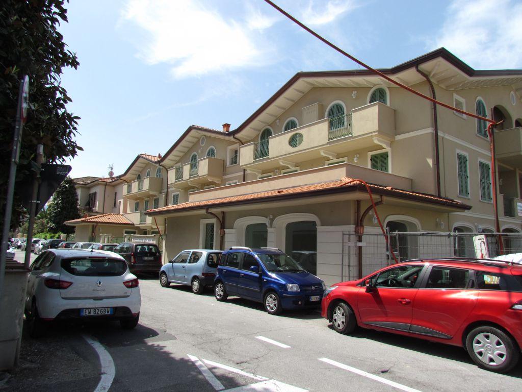Appartamento trilocale in vendita a lucca annunci - Immobili categoria a1 ...