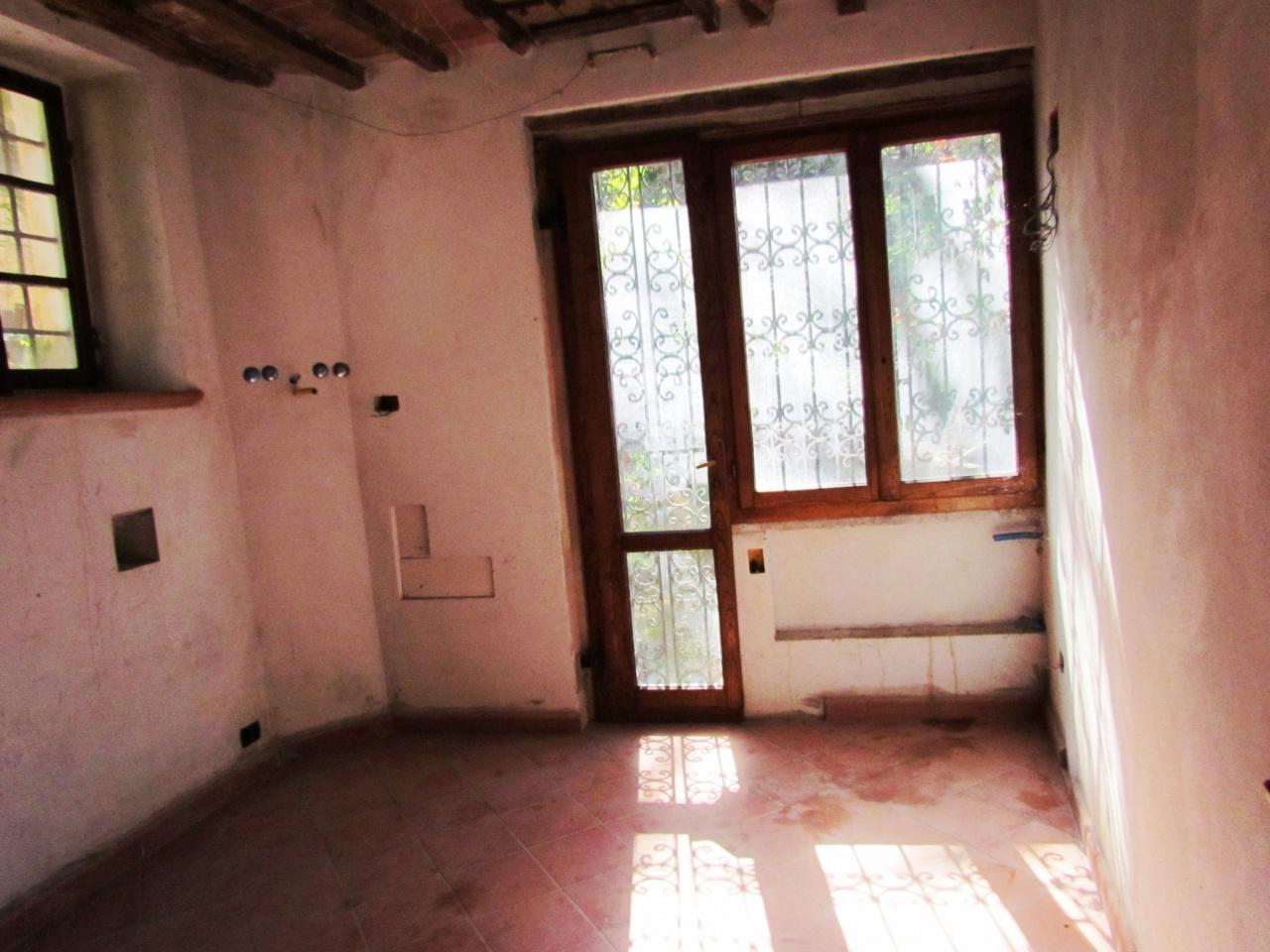 Villa singola PESCAGLIA 01832