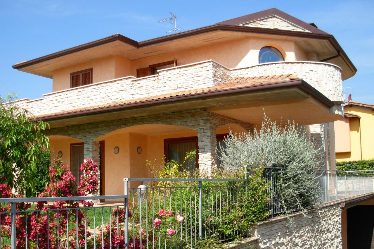 Villa singola in Vendita PESCIA