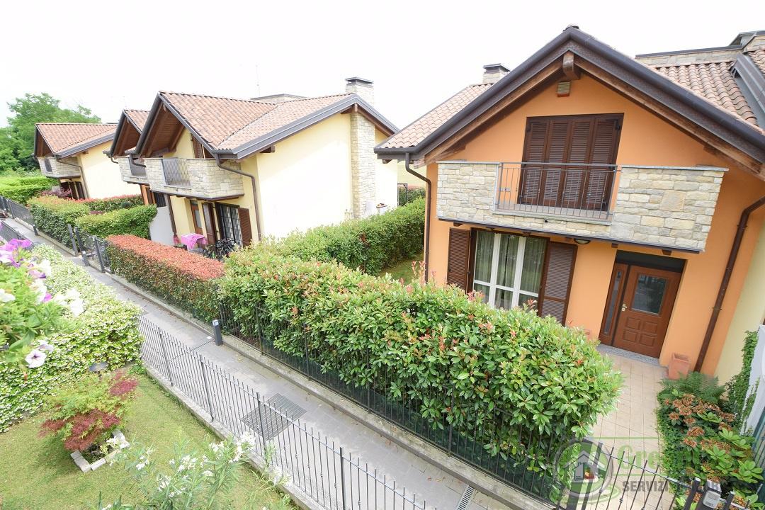Villa singola in Vendita CAVENAGO DI BRIANZA