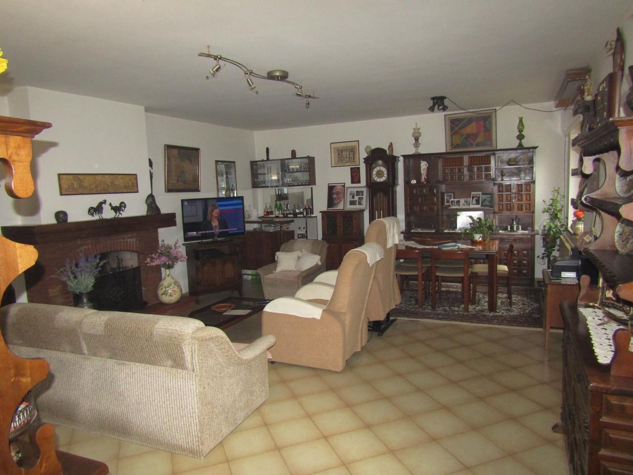 Villa singola in Vendita CAMAIORE