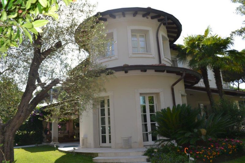 Villa singola in Vendita FORTE DEI MARMI