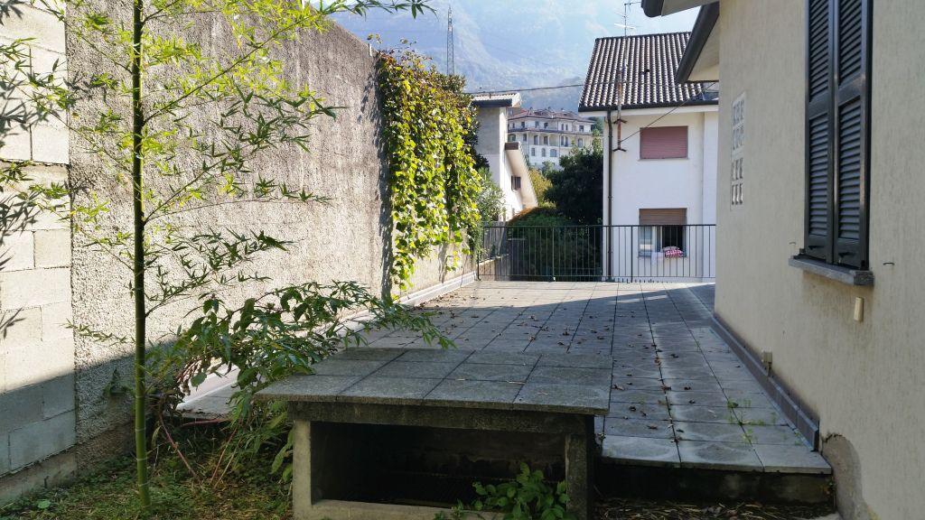 Villa singola LECCO VIL01
