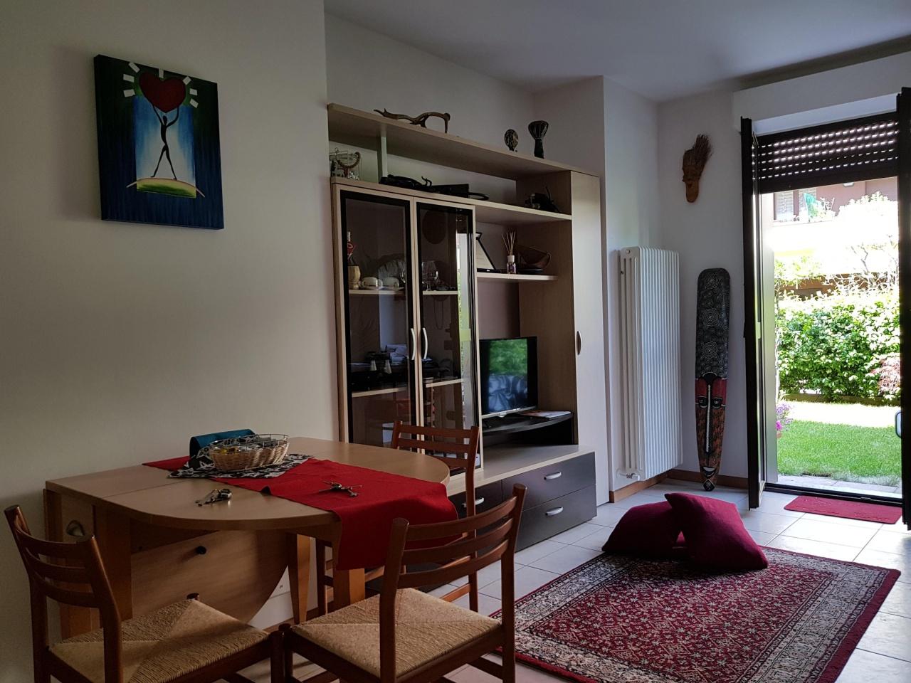 Appartamento CANTU' BILOCALE GIARDINO CA