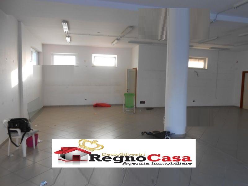 Locale Commerciale MONDRAGONE 1462145 VIA DOMITIAN
