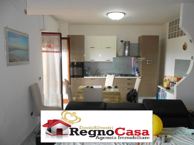 Appartamento MONDRAGONE 27798000  VIA PESARO
