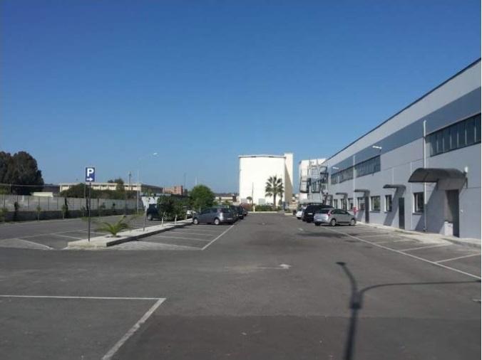 Locale Commerciale CROTONE LR14232