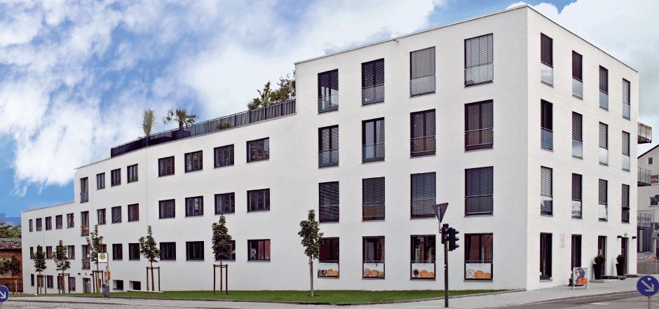Edificio in legno su più livelli con Sistema a Muro Vitale