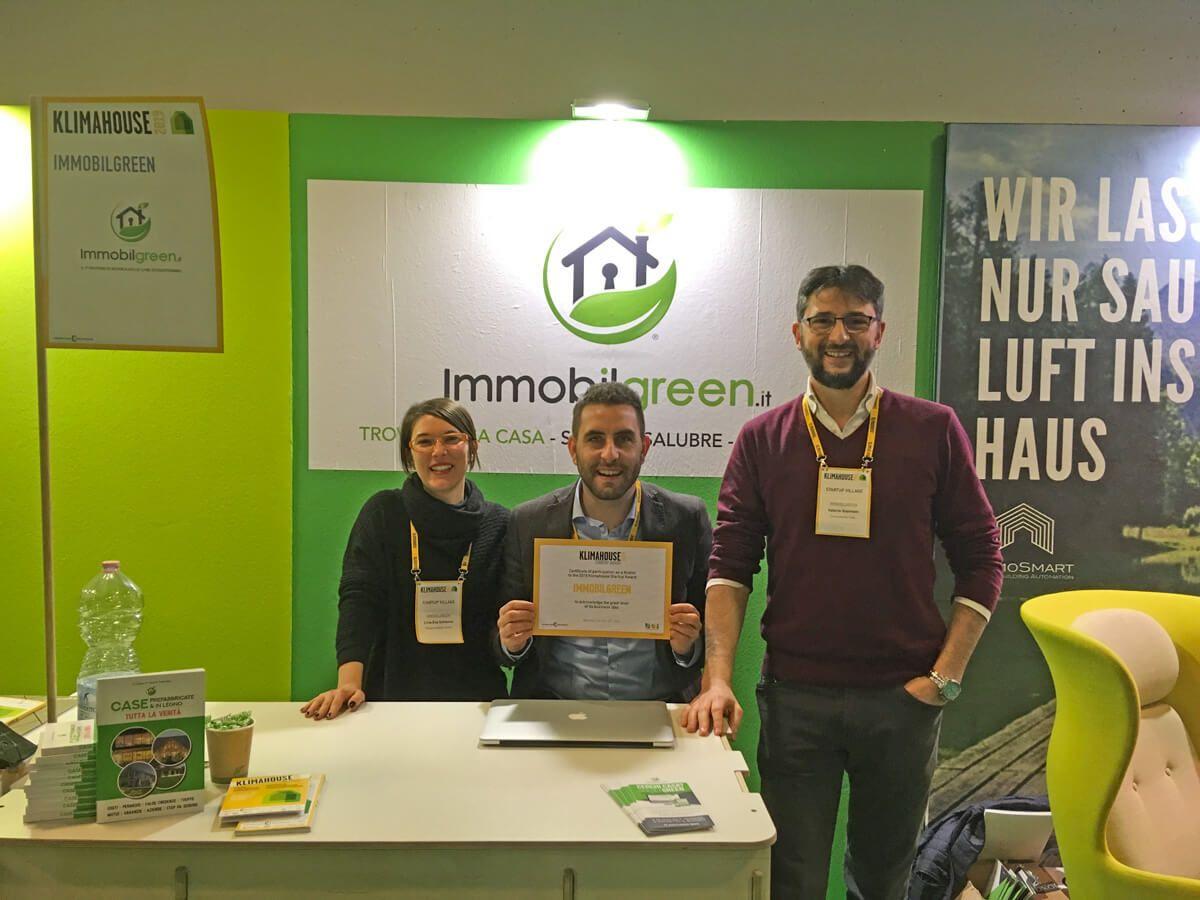 Stand Immobilgreen Italia a Klimahouse con attestato premiazione