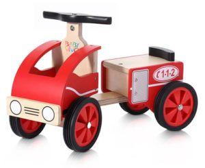 macchina in legno